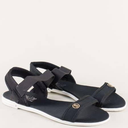 Черни дамски сандали с ластик на комфортнои равно ходило 010617ch