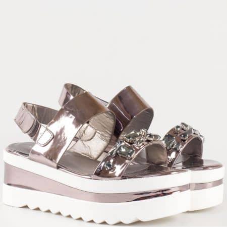 Дамски сандали с интересна визия и камъни на българската марка Eliza в златисто 01152brz