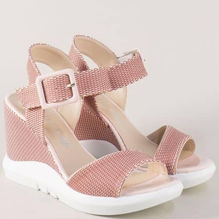 Дамски сандали на платформа в розов цвят 01183rz