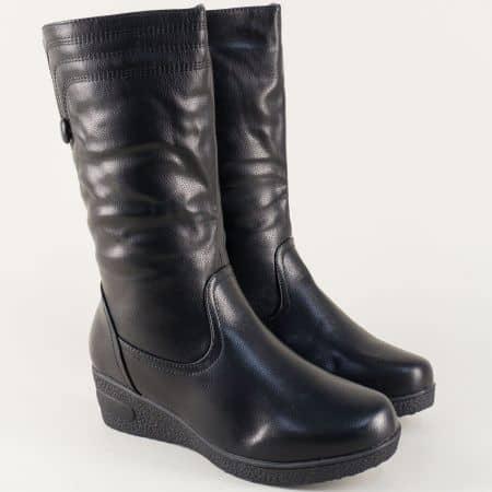 Дамски ботуши на платформа в черен цвят 030006ch