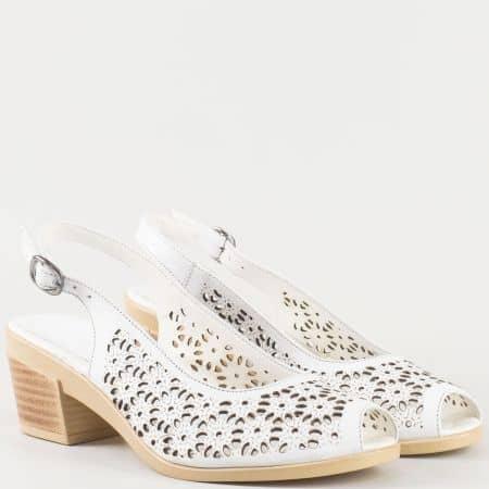 Дамски ежедневни сандали изработени от 100% естествена кожа на комфортно ходило в бял цвят 041070b