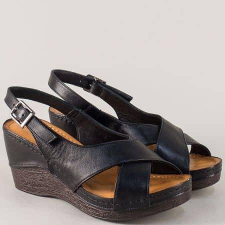 Кожени дамски сандали на стабилна и комфортна платформа в черен цвят 04ch