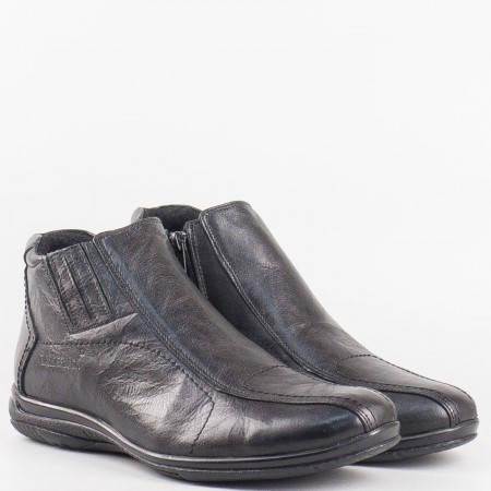 Мъжки комфортни боти изработени от естествена кожа с цип и ластик в черен цвят 051mch
