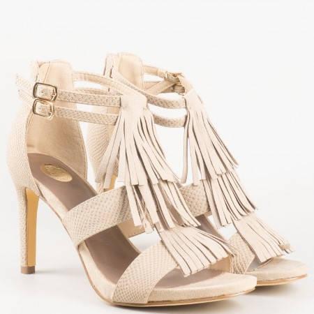 Дамски атрактивни сандали с ресни на Bull Boxer в бежов цвят 102000bj