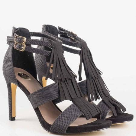 Дамски атрактивни сандали на висок ток с ресни на Bull Boxer в черен цвят 102000ch