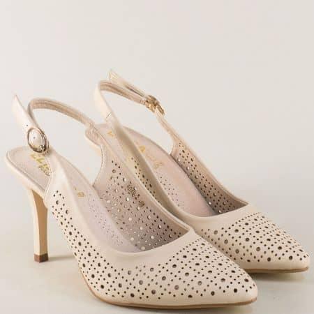 Елегантни дамски обувки в бежов цвят на висок ток 10492bj
