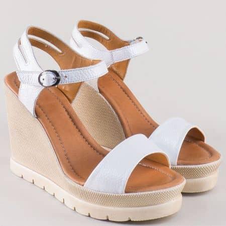Бели дамски сандали на платформа от естествена кожа 1107b