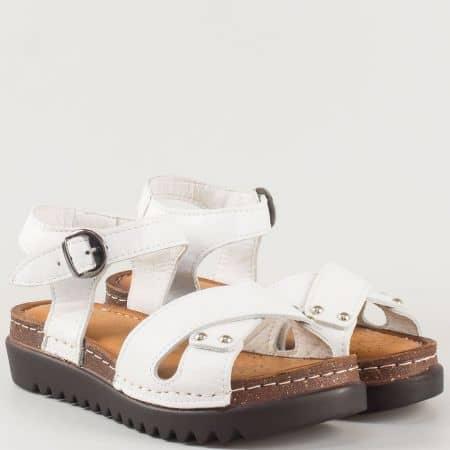 Дамски шити сандали на платформа от естествена кожа в бяло и кожена стелка- български производител 1175b
