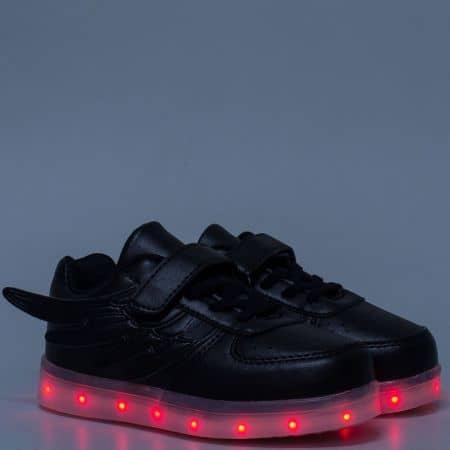 Детски светещи маратонки с връзки и лепка в черен цвят 1199-30ch