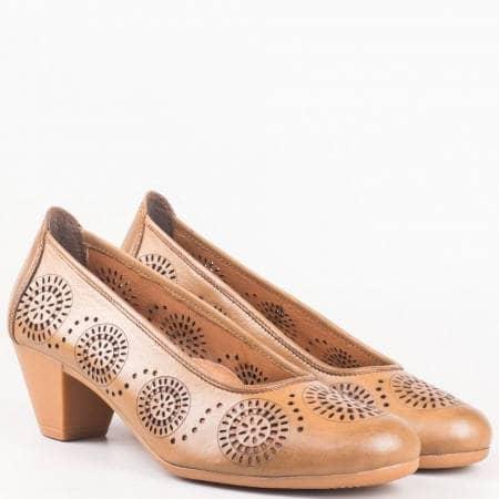 Ортопедични дамски обувки на среден ток от тъмно кафява естествена кожа с перфо мотиви на български производител 12200868kk