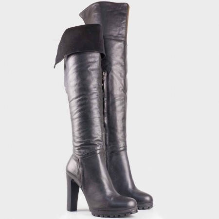 Дамски ежедневни ботуши произведени от висококачествена естествена кожа на български производител в черен цвят 122302ch