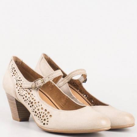 Немски пролетно-летни обувки на среден ток с вградена Anti-shock система от естествена перфорирана кожа в бежов цвят Tamaris 124411bj