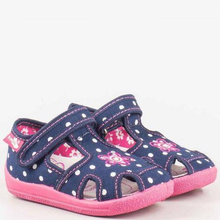 Детски пантофи в бяло, розово и синьо, тип сандал на точки от антибактериални, дишащи материали и кожена мемори стелка на български производител 13141st