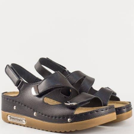 Дамски ежедневни сандали на меко анатомично ходило с две велкро ленти в черен цвят 13354ch