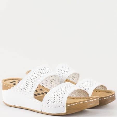 Бели дамски чехли от еко кожа с перфорация 13355b