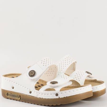 Дамски ежедневни чехли със стелка с анатомична извивка в бял цвят 13357b