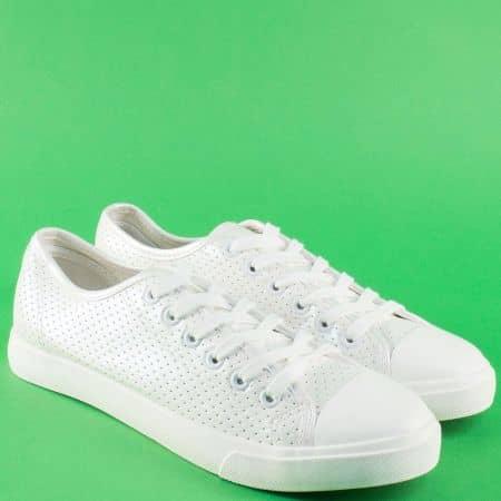 Спортни дамски обувки в бяло на равно ходило 135044b