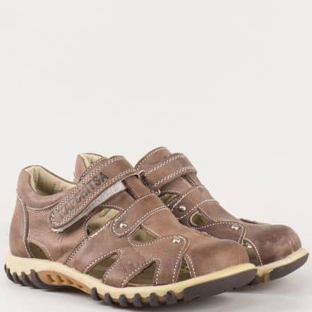 Детски комфортни обувки с отвори на анатомично ходило с велкро лента на български производител в кафяво 14118280k