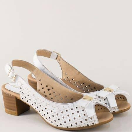 Бели дамски сандали с панделка на среден ток 14277886b