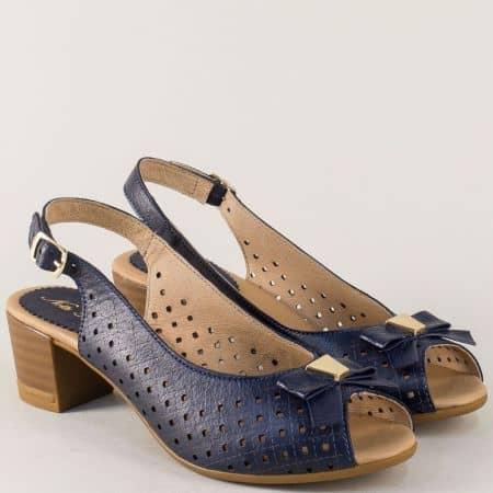 Тъмно сини дамски сандали с перфорация и кожена стелка 14277886s