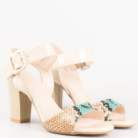 Бежови дамски сандали на висок ток със змийски принт и катарама 146lzbj