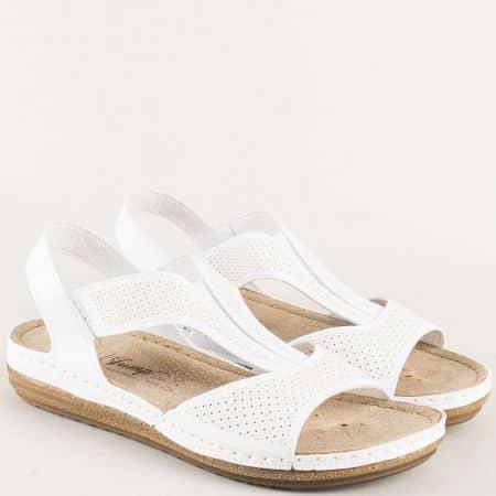 Анатомични дамски сандали на комфортно равно ходило в бял цвят 14768b