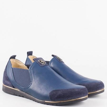 Дамски ежедневни обувки със спортна визия от естествен велур и кожа на български производител в син цвят 1501455s