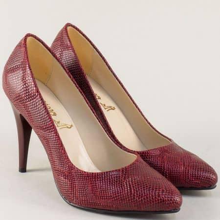 Дамски обувки на висок ток със змийски принт в бордо 1510zchv