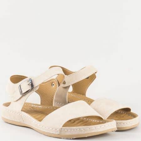Дамски сандали за всеки ден на удобно ходило с младежка визия в бежов цвят 15153005bj