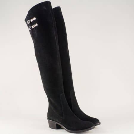 Дамски ботуши от естествен велур и стреч в черен цвят на среден ток 1548vch