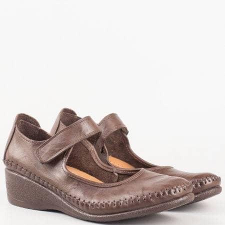 Дамски ортопедични обувки изцяло от естествена кожа в кафяво на платформа с велкро лепенка 1555319kk
