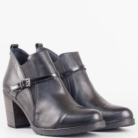 Дамски стилни боти от висококачествена естествена кожа на немската фирма Jana в черен цвят 1570792ch