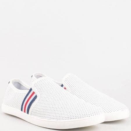 Дамски спортни обувки без връзки изцяло от естествена кожа, включително и меката стелка в бял цвят 16097160b