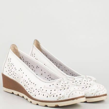 Перфорирани дамски обувки на платформа с кожена анатомична стелка- Nota Bene от бяла естествена кожа  16233933b