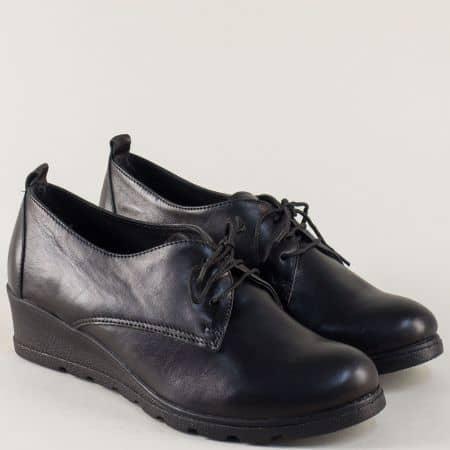 Кожени дамски обувки с връзки на клин ходило в черно 16233997ch