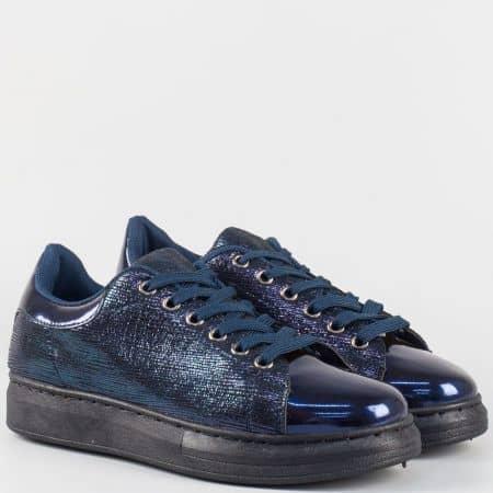 Спортни дамски обувки в синьо на шита платформа  163001s