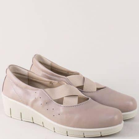 Дамски обувки от бежова естествена кожа на платформа 17115bj