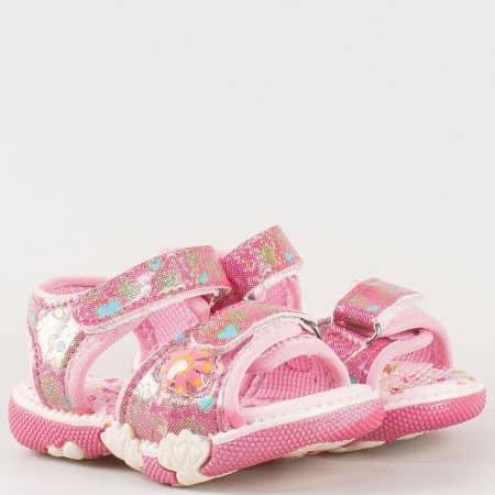Детски сандали на комфортно ходило с масажираща стелка на български производител в розово 17856rz