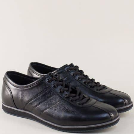Черни мъжки обувки от естествена кожа на равно ходило 18202ch