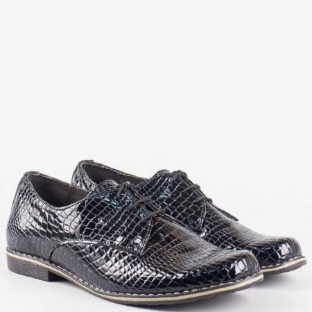 Дамски ежедневни обувки от естествен лак с крокодилски принт и анатомична стелка на български производител в черен цвят 18314004krlch