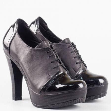Дамски ежедневни обувки на висок стабилен ток и платформа в частта на пръстите от черна естествена кожа и лак с връзки 1857903chlch