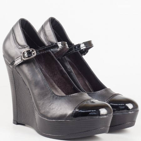 Български дамски обувки на платформа от естествена кожа и лак в черен цвят 2008208chlch