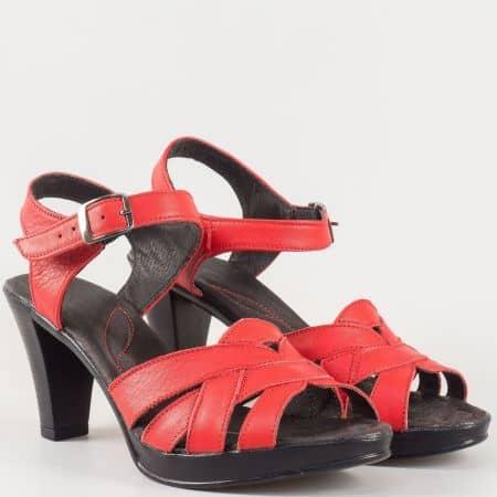 Дамски сандали на висок ток изработени от висококачествена естествена кожа на български производител в червено 2026843chv