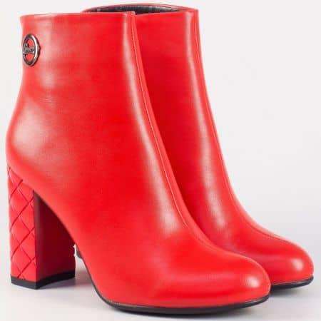 Дамски модерни боти на стабилен висок ток- Eliza в червен цвят 21245chv