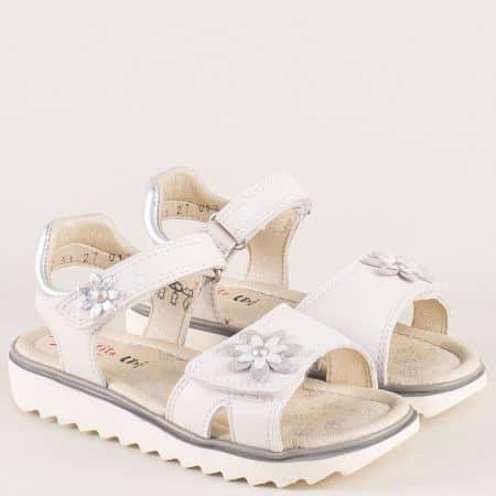 Детски сандали от бяла естествена кожа с две лепки 21251-30b