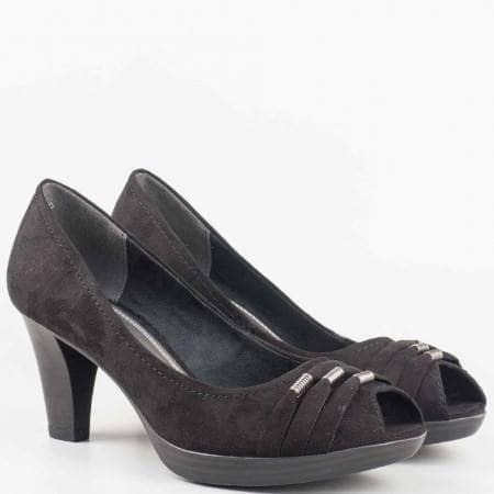 Дамски удобни обувки за всеки ден с отворени пръсти на висок стабилен ток на немския производител Marco Tozzi в черен цвят 2229302vch