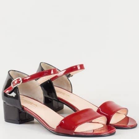 Дамски стилни сандали изработени от 100% естествени материали - лак и кожа в червено и черно 223lps