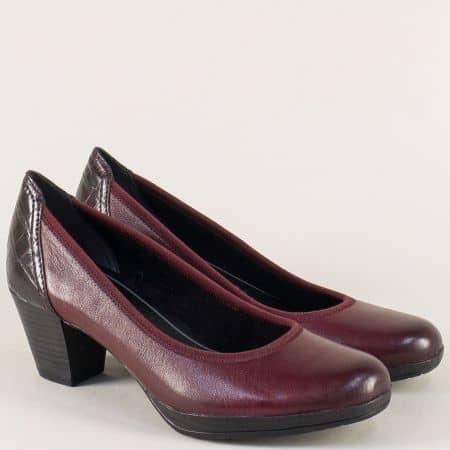 Стилни дамски обувки в цвят бордо на среден ток с Anti- shock система 2241829bd