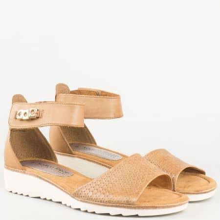Ежедневни дамски сандали- Marco Tozzi с лепка и мемори стелка от естествена кожа в кафяв цвят- от естествена кожа в кафяв цвят  228604k