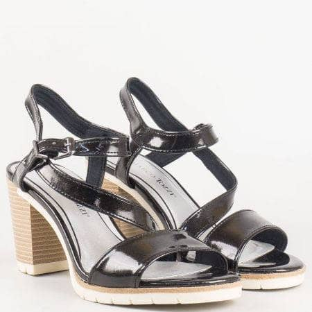 Дамски лачени сандали на висок ток в черен цвят- Marco Tozzi със стелка с вградена Memory пяна 228713lch